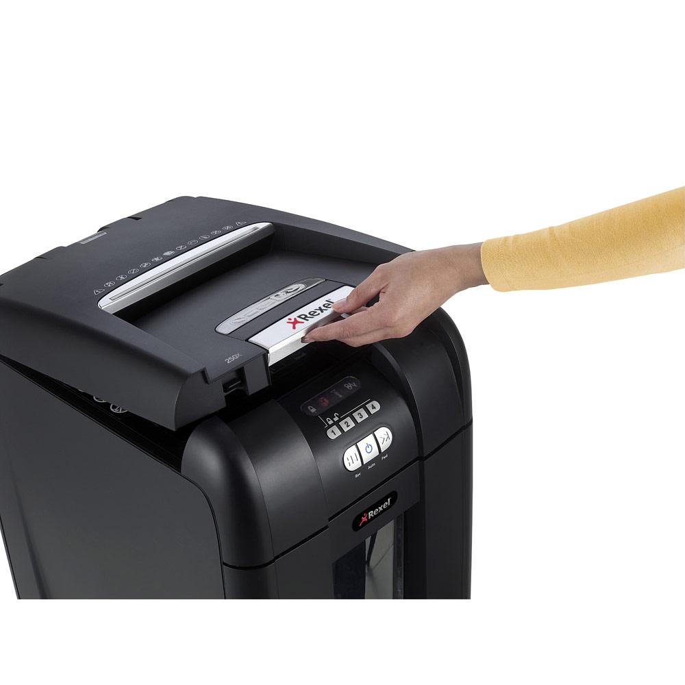 shredding machine staples